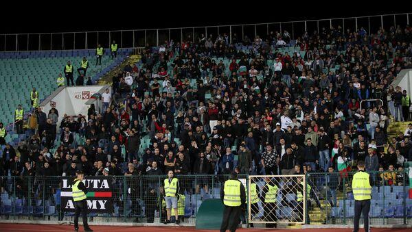 Фанаты сборной Болгарии на матче против команды Англии - Sputnik Беларусь