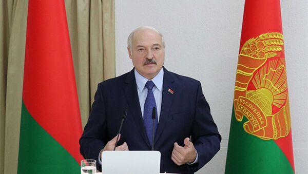 Александр Лукашенко в Академии управления при Президенте Республики Беларусь - Sputnik Беларусь