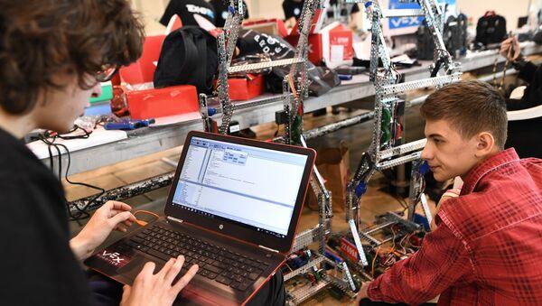 X Всероссийский робототехнический фестиваль РобоФест - Sputnik Беларусь