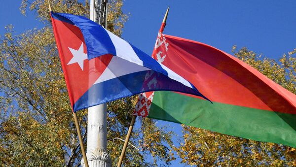 Флаги Беларуси и Кубы - Sputnik Беларусь