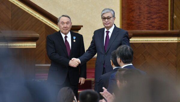 Президент Казахстана Касым-Жомарт Токаев (справа) и экс-президент Казахстана Нурсултан Назарбаев - Sputnik Беларусь