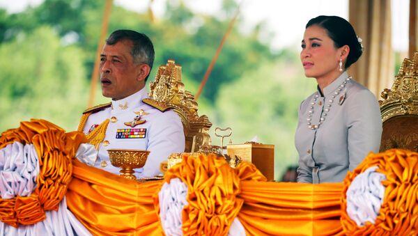 Король Таиланда Маха Вачиралонгкорн и королева Сутхида - Sputnik Беларусь