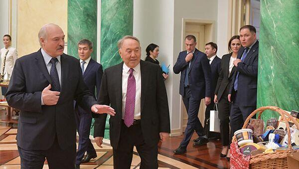 Аляксандр Лукашэнка і Нурсулатн Назарбаеў - Sputnik Беларусь