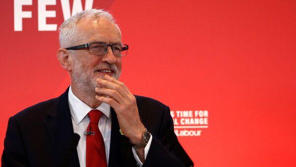 Лидер оппозиционной в Великобритании лейбористской партии Джереми Корбин  - Sputnik Беларусь