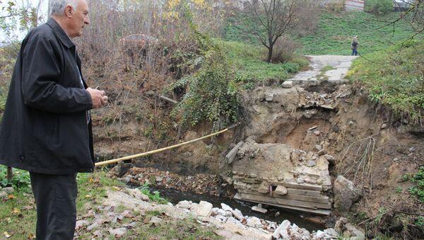 Пенсионерам нужен мост, а город просит подождать - Sputnik Беларусь