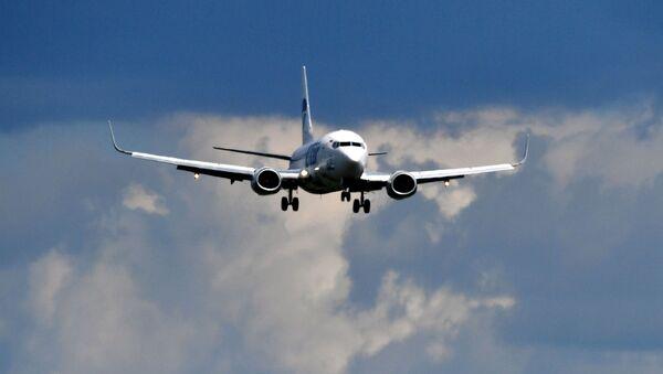 Самолет Boeing 737 авиакомпании UTair - Sputnik Беларусь