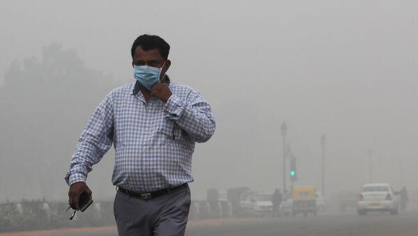 Загрязнение воздуха в Нью-Дели достигло критического уровня - Sputnik Беларусь