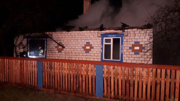 Пожар в доме в Петриковском районе - Sputnik Беларусь
