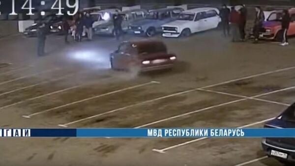 Дрифт на Жигулях на площади Ленина в Гомеле, видео - Sputnik Беларусь