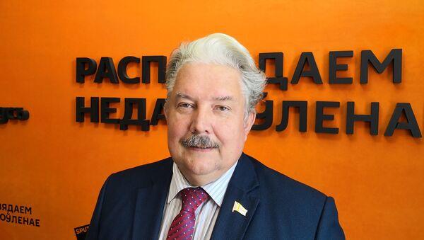 Бабурин: и белорусским, и российским политикам надо быть ближе к народу - Sputnik Беларусь