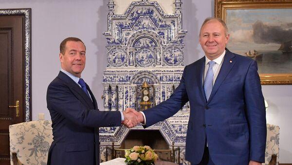 Дмитрий Медведев и Сергей Румас - Sputnik Беларусь