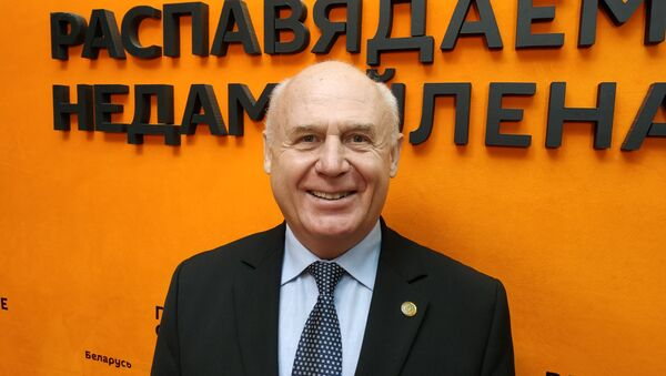 Задняпраны: калі моладзь імкнецца за мяжу, значыць, у нас штосьці не так - Sputnik Беларусь