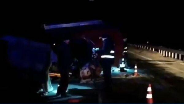 ГАЗель врезалась в трактор под Могилевом - Sputnik Беларусь