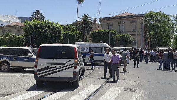Автомобили полиции и скорой помощи в Тунисе - Sputnik Беларусь