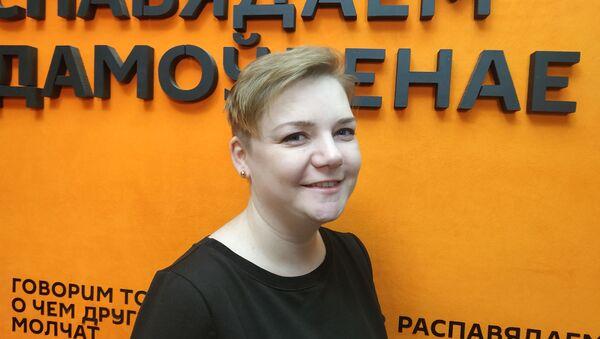 С хлопушкой на танк: как белоруска начинала бизнес и открывала студию шитья - Sputnik Беларусь