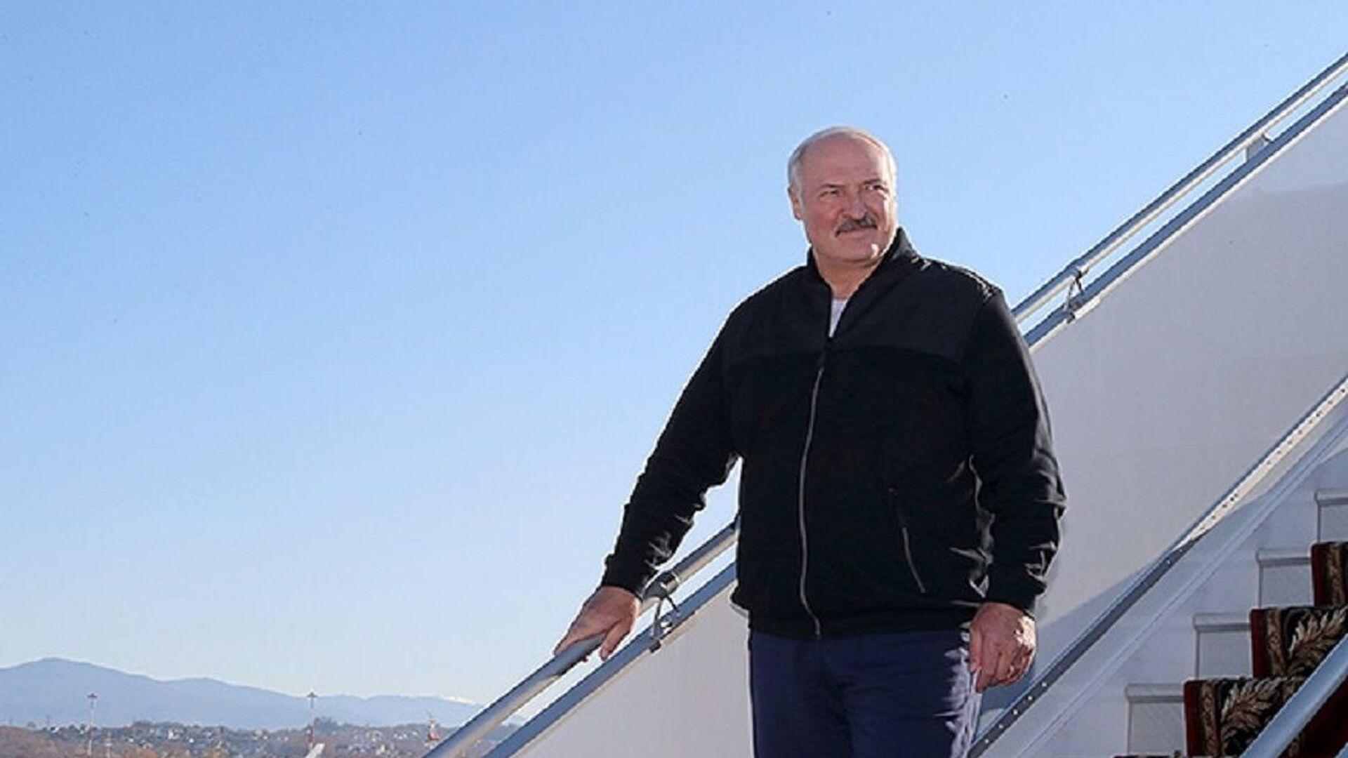 Лукашенко прибыл в Сочи на встречу с Путиным - Sputnik Беларусь, 1920, 24.09.2021
