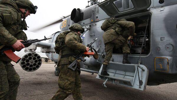 Вайскоўцы падчас тактыка-спецыяльных вучэнняў - Sputnik Беларусь