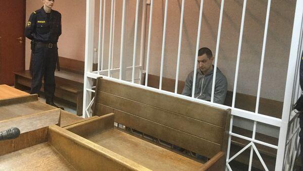 Бывший генеральный директор Белмедтехники Александр Шарак в зале суда - Sputnik Беларусь