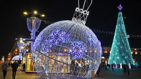 Новогодняя иллюминация в Минске - Sputnik Беларусь