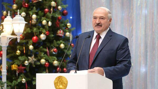 Лукашэнка прыйшоў на ёлку ў Палац Рэспублікі - Sputnik Беларусь