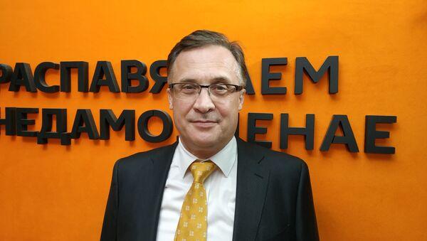 Глава комиссии по международным делам нижней палаты белорусского парламента Андрей Савиных - Sputnik Беларусь