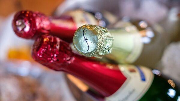 Бутылки шампанского, архивное фото - Sputnik Беларусь
