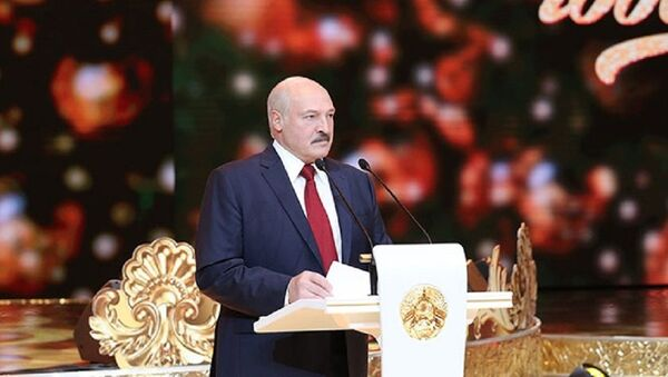 Александр Лукашенко на приеме в канун старого Нового года - Sputnik Беларусь