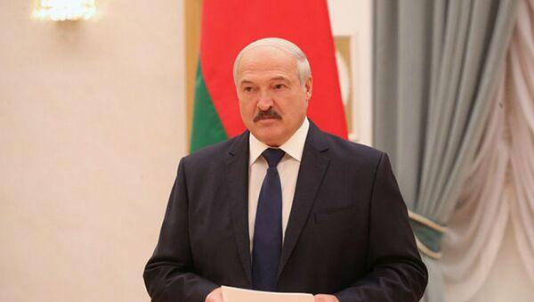 Лукашенко сожалеет, что редко встречается с учеными - Sputnik Беларусь