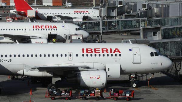 Самолеты стоят в мадридском аэропорту Барахас  - Sputnik Беларусь