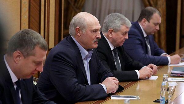 Александр Лукашенко и белорусская делегация на переговорах в Сочи - Sputnik Беларусь