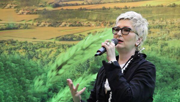 Татьяна Устинова: меня уволили с работы, и я пришла в издательство - Sputnik Беларусь