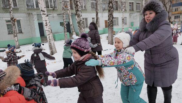 На прагулцы ў дзіцячым садку, архіўнае фота - Sputnik Беларусь