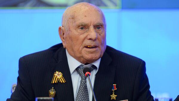 Герой Расіі, ветэран Вялікай Айчыннай вайны Аляксей Бацян - Sputnik Беларусь