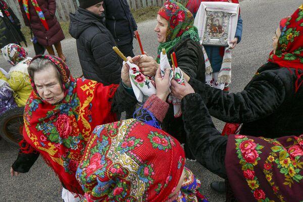 На скрыжаваннях спыняюцца і водзяць карагоды. - Sputnik Беларусь