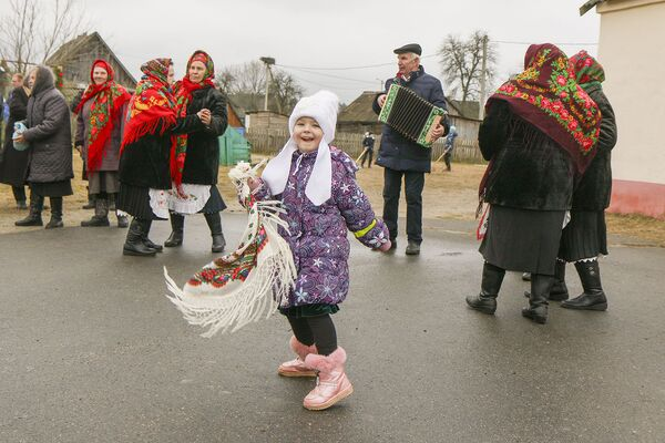 Кожнае свята абавязкова суправаджаецца музыкай і танцамі. - Sputnik Беларусь