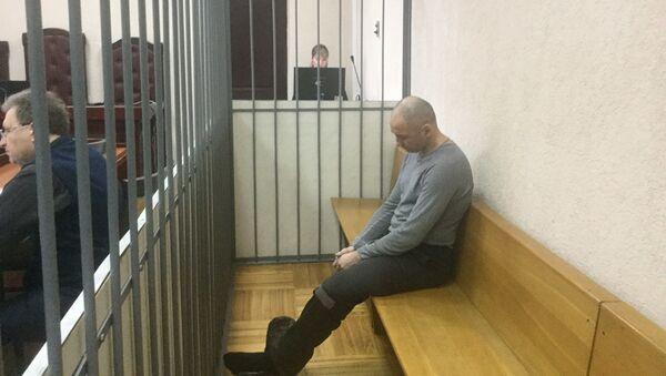 Обвиняемый в убийстве белорусского криминального авторитета Сергей Богдашов в зале суда - Sputnik Беларусь