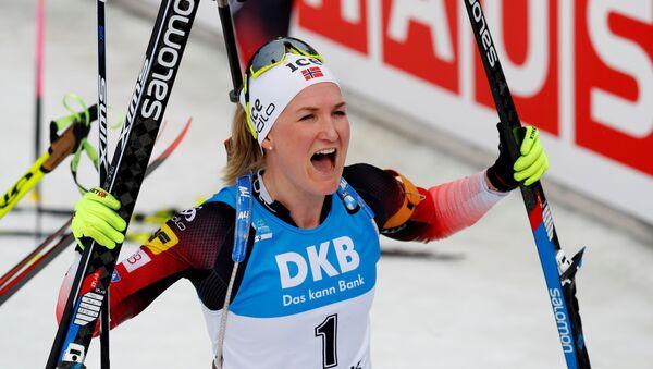 Марте Олсбю Ройселанн победила в масс-старте на 12,5 км на чемпионате мира в Антхольц-Антерсельве (Италия) - Sputnik Беларусь