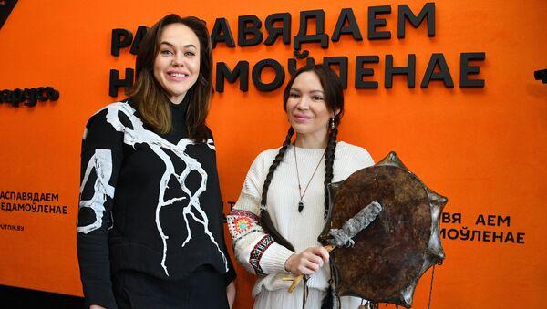 Гэта трэба чуць: шаманка з Якуціі Алена Уутай лечыць граннем на варгане - Sputnik Беларусь