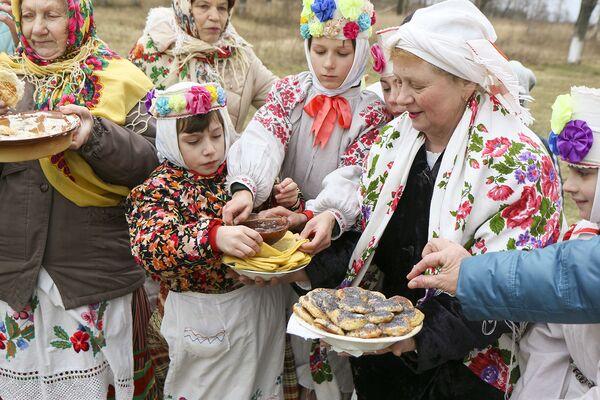 Масленіца ў Обчыне Любанскага раёна - Sputnik Беларусь