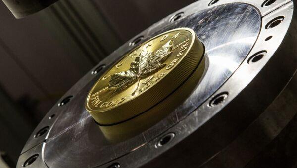 В Канаде выпустили 10-килограммовую золотую монету - Sputnik Беларусь