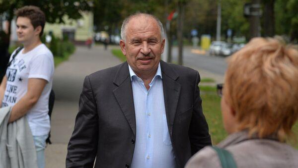 Работу адвоката ни в коем случае нельзя ассоциировать с бизнесом - в первую очередь это юридическая помощь, а от того, насколько качественно она выполнена, может уже зависеть вознаграждение - Sputnik Беларусь
