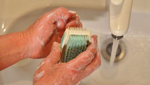 Мытье рук, архивное фото - Sputnik Беларусь