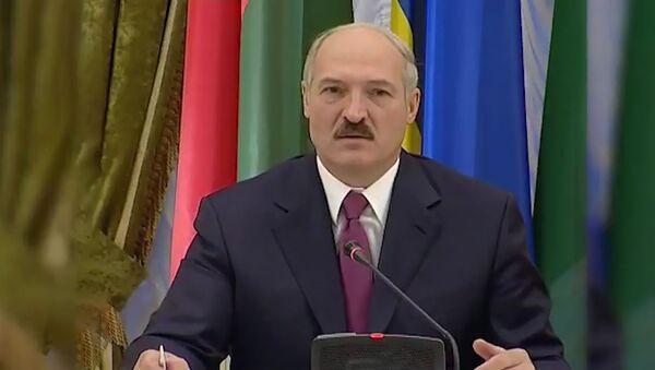 Лукашэнка пра паніку: зараз завішчалі па-свінячаму, заўтра - замуркаем - Sputnik Беларусь