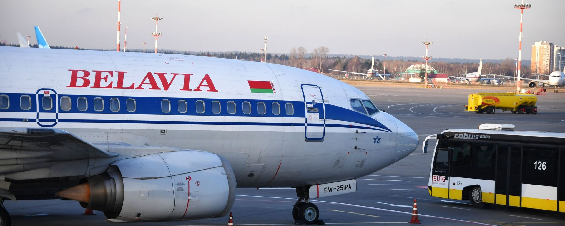 Самолет Boeing 737-500 авиакомпании Белавиа в международном аэропорту Внуково - Sputnik Беларусь, 1920, 16.02.2021