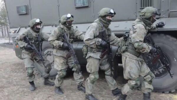 Counter-terrorists win: как спецназ штурмует здание с террористами - Sputnik Беларусь