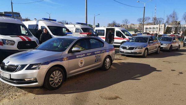 Машины ГАИ и скорой готовятся к выезду - Sputnik Беларусь
