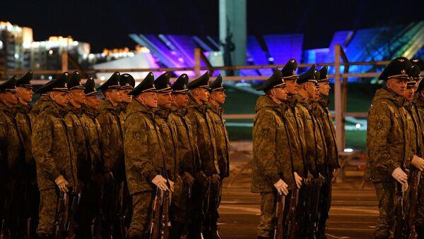Репетиция роты почетного караула к параду 9 Мая - Sputnik Беларусь