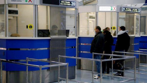 Пограничный контроль в аэропорту Минска - Sputnik Беларусь