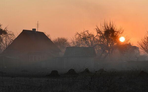 З усходам сонца пачынае цяплець, і да другой паловы дня тэмпература падымаецца амаль да 20 градусаў цяпла. - Sputnik Беларусь