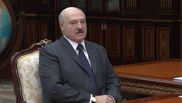 Лукашэнка: вірус сыдзе, а эканоміка застанецца - Sputnik Беларусь